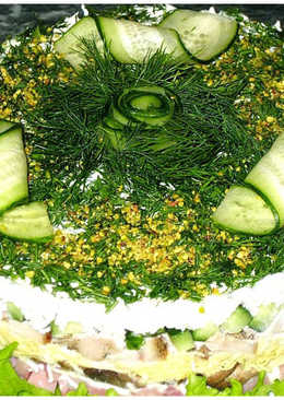 Салат с ветчиной, индейкой и грибами