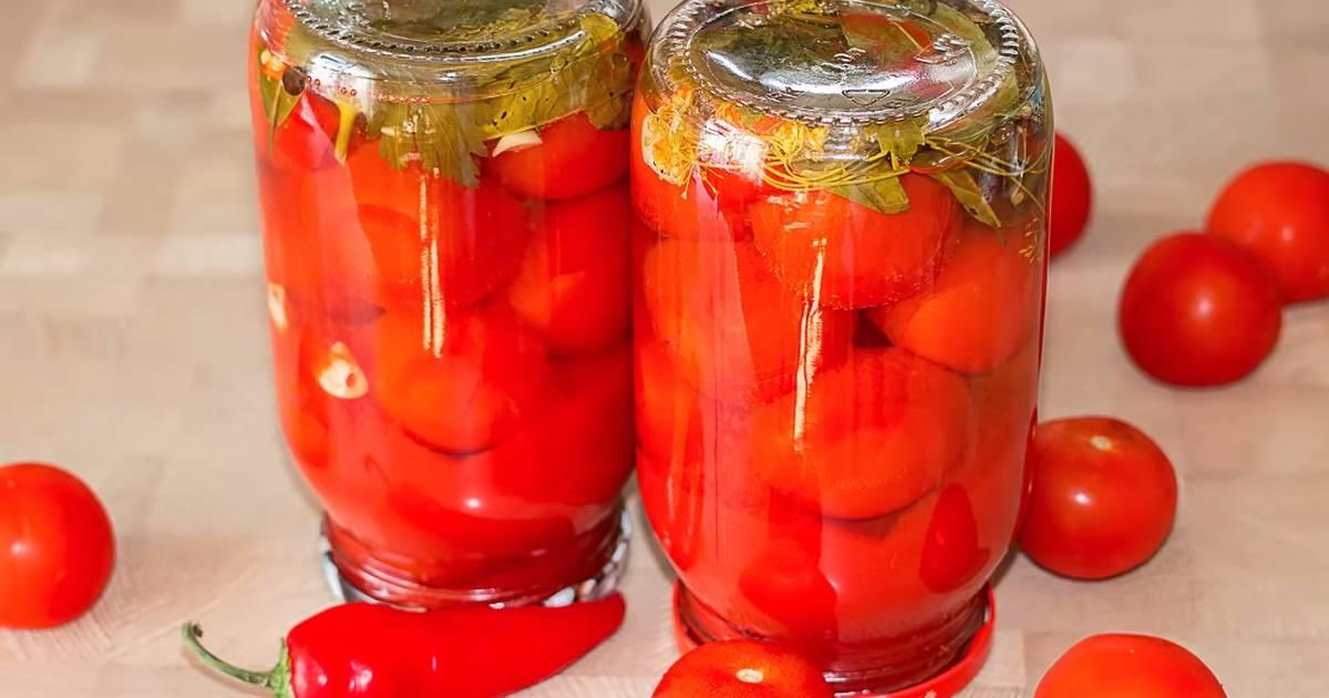 Одними из самых популярных продуктов для консервации являются помидоры.