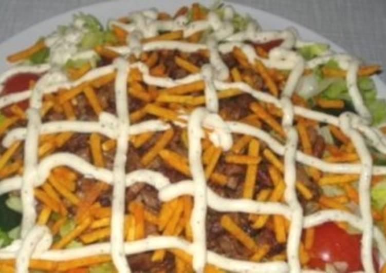 Салат новогодний с мясом «Гирос»