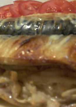 Скумбрия запеченная с луком в сметане