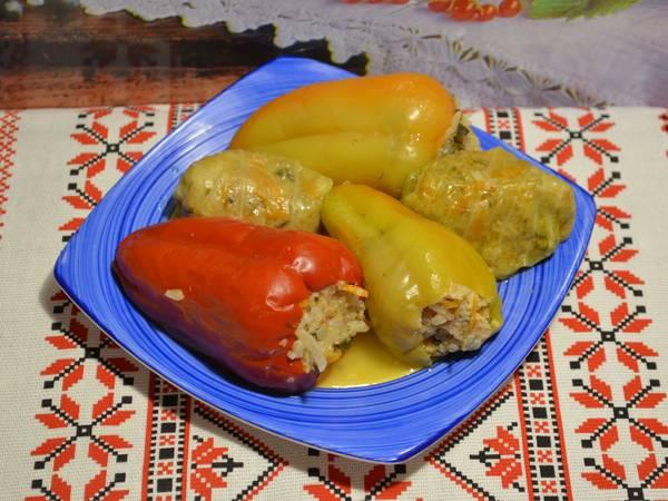 Фаршированный перец и голубцы, с мясом и рисом