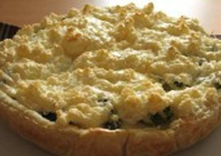 Пирог из курицы с сырным безе «Гармония»