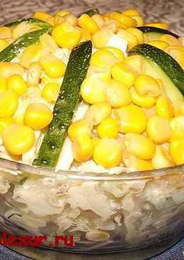 Салат с кальмарами и кукурузой на новогодний стол
