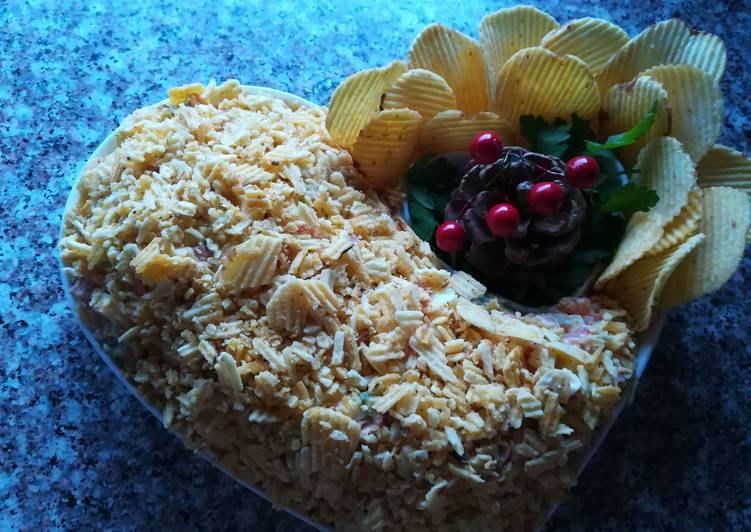 Салат с чипсами на праздничный стол