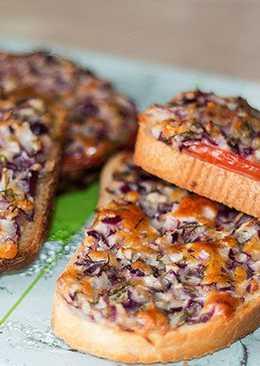 Горячие луковые бутерброды