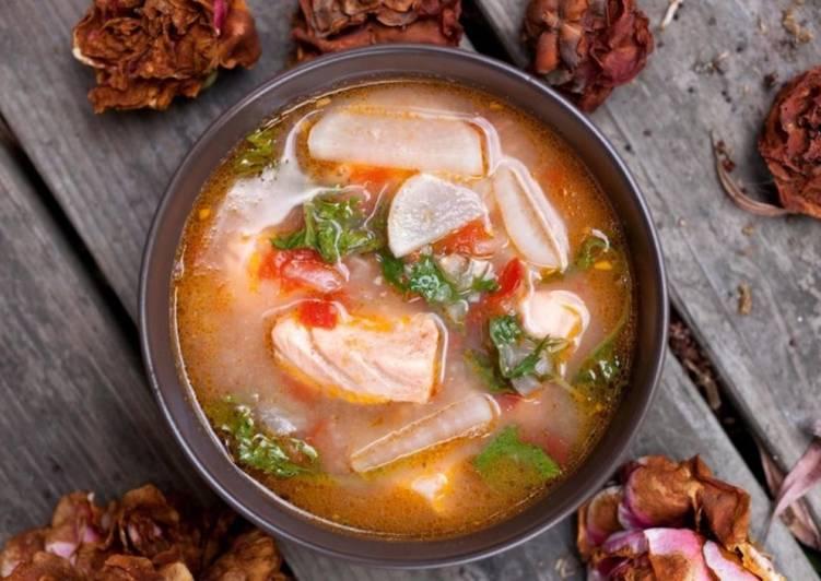 как приготовить вкусную уху из красной рыбы