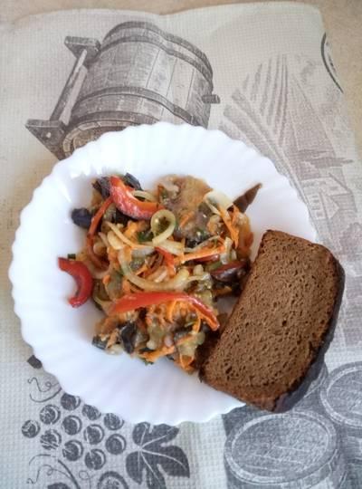 Остренький салат из баклажанов