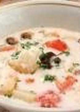 Рыбная похлебка с картофелем и помидорами