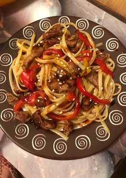 Спагетти со свининой в кисло-сладком соусе