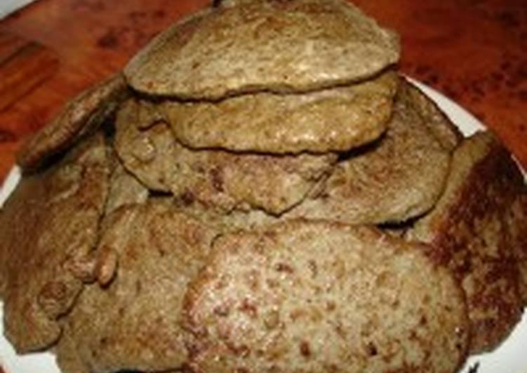 Оладьи из печени с хлебом