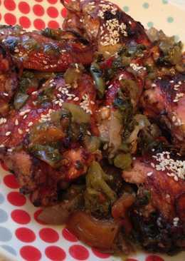 Курица в кисло-сладком соусе с овощами и кунжутом