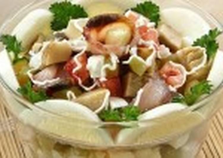 Салат из груздей с сельдью