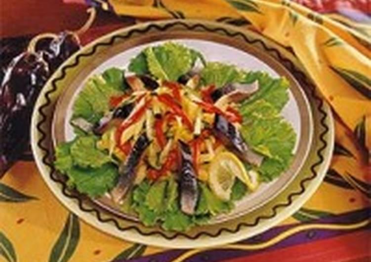 Салат из норвежской сельди с овощами