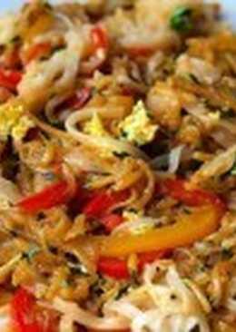 Постная рисовая лапша с овощами