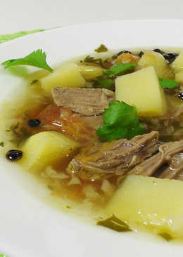 Густой мясной суп с барбарисом и кориандром