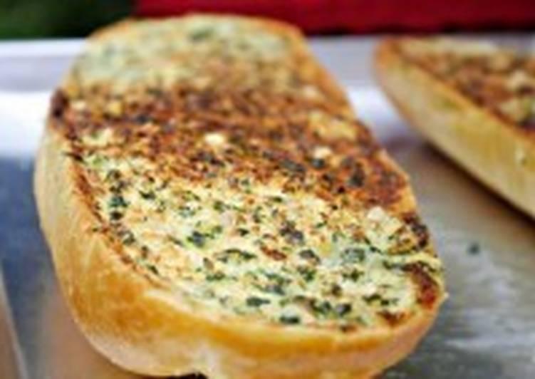 Бутерброды с пармезаном и чесноком