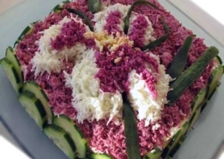 Салат с креветками и картофелем «Ирис»