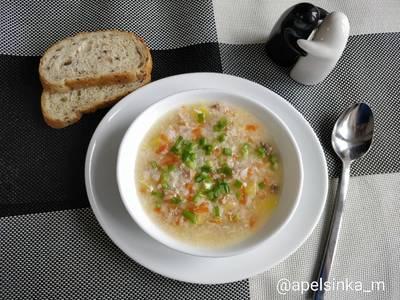 Куриный суп с курицей и овощами