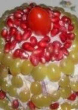 Салат новогодний с курицей и фруктами «Сладкая ёлочка»