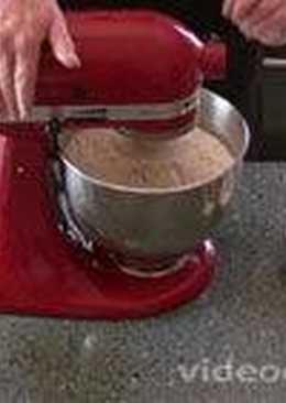 Хлеб из цельной муки (еще мука называется серая или темная)