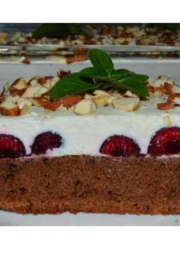 Шоколадно-ягодный пирог с творожным суфле