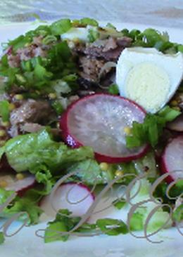 Салат весенний с тунцом