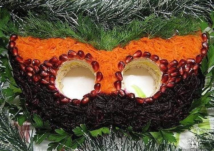 Новогодний салат «Маска»