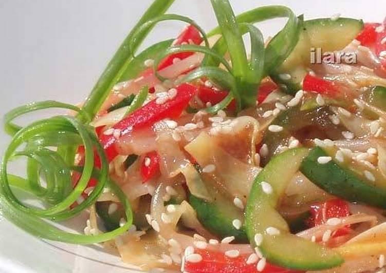 Салат из огурцов с чесноком