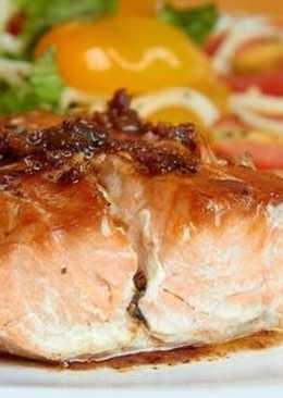 Стейки из рыбы с помидорами/На 100г. – 58,41ккал