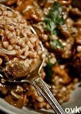 Гречка с мясом и грибами в духовке