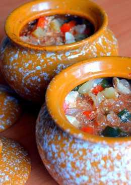 Диетический рецепт из куриного филе и овощей в горшочках