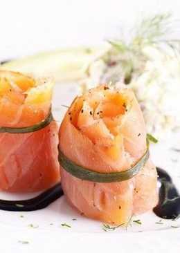 Роллы из лосося с авокадо к новогоднему столу