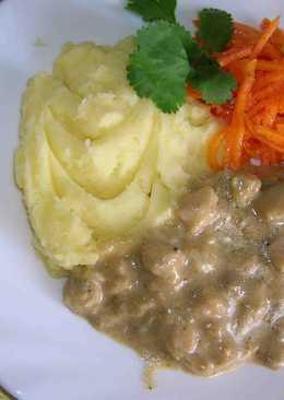 Белое мясо индейки и соусы