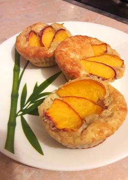Творожные кексы с персиком