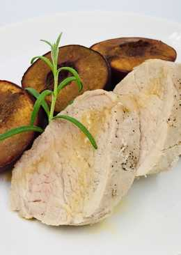 Нежное свиное филе с ароматным гарниром из слив. Рецепт мяса в духовке
