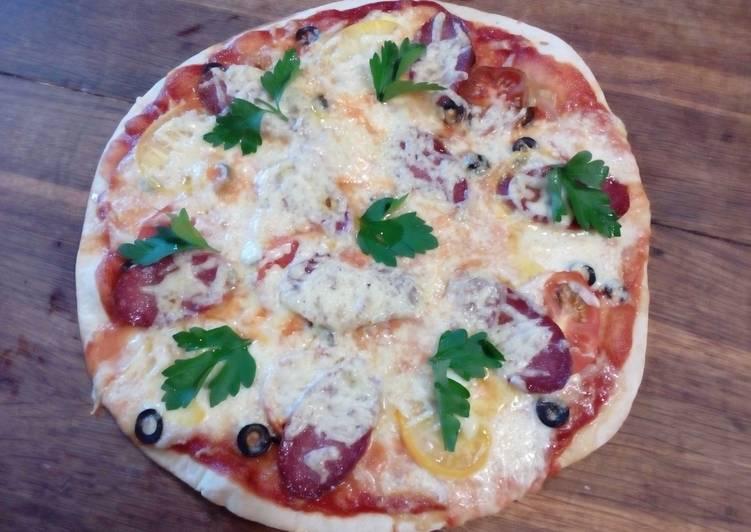 Пицца из дрожжевого теста, приготовленного своими руками