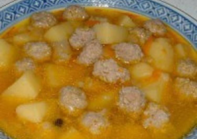Суп с фрикадельками из кальмара
