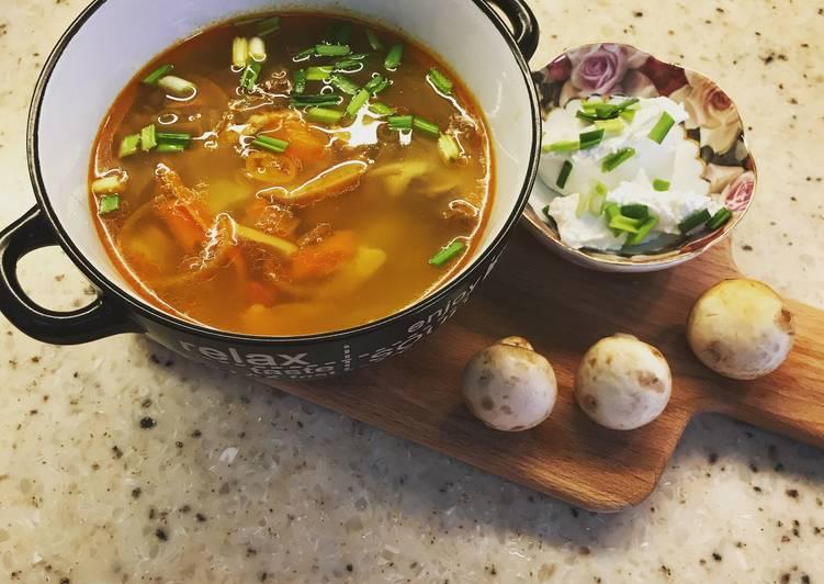 как приготовить суп с консервированными шампиньонами