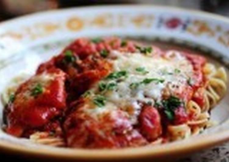 Отбивные из курицы в томатном соусе со спагетти
