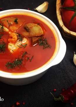 Пряный и наваристый томатный суп с морепродуктами (диетическое блюдо)