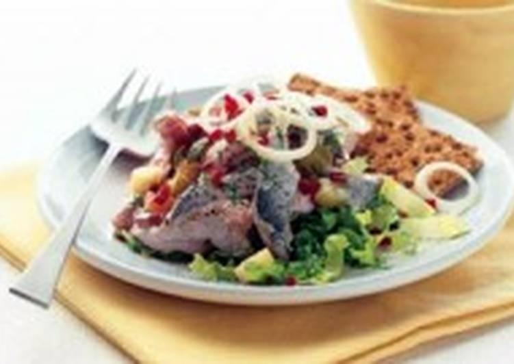 Салат из шампиньонов в винном соусе