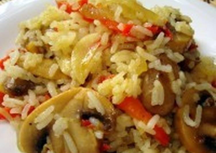Рагу из грибов с картофелем, рисом в томатном соусе