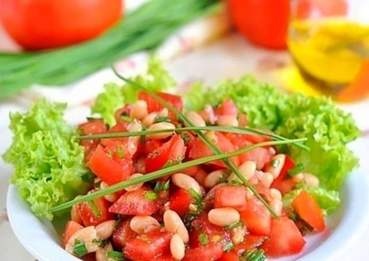 Салат с фасолью и запеченным перцем