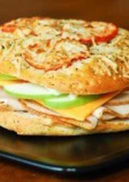Сэндвич с курицей и яблоком