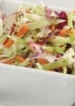 Салат-заготовка с капустой, морковью, редькой и луком