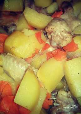 Крылышки с картофелем в рукаве