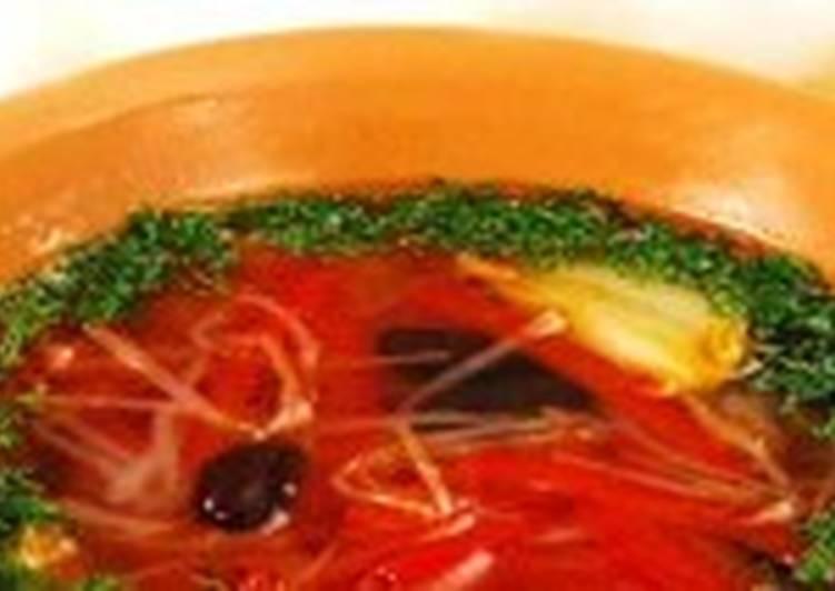 Постный суп с фасолью, капустой и перцем