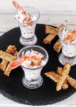 Сырная закуска с лангустинами и красной икрой