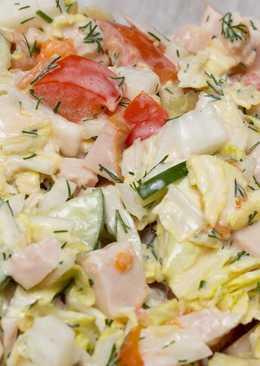Овощной салат с копченой куриной грудкой