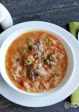 Томатный суп с фрикадельками и лапшой